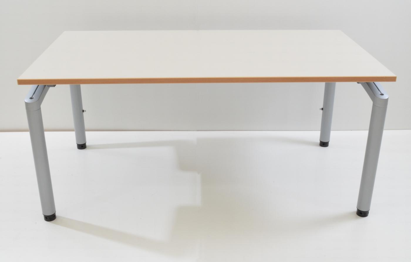Schreibtisch 150 cm h henverstellbar cremewei for Schreibtisch 150