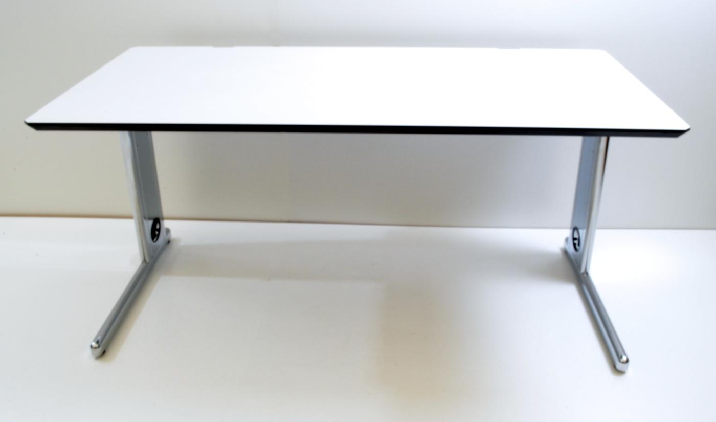 Schreibtisch - 160 cm, höhenverstellbar - weiß - Svoboda